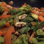 Poêlée de légumes au wok à l'asiatique
