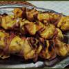 Brochettes de poulet au bacon