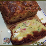 cake courgette, lardons, feta