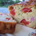 Cake courgettes, tomates et lardons