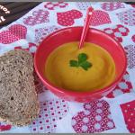 Soupe carottes et patate douce au lait de coco