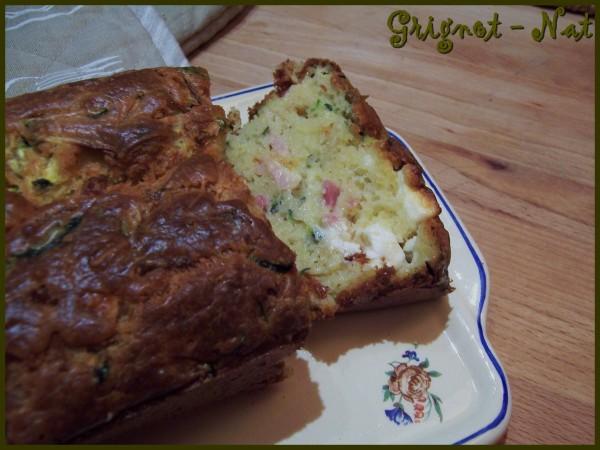 Cake courgette lardons et feta 2
