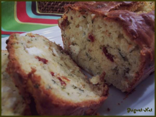 Cake tomates séchées, feta et basilic 2