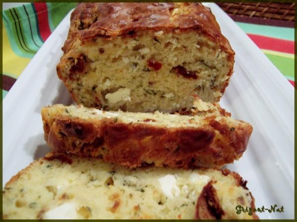 cake-tomates-sechees-et-feta