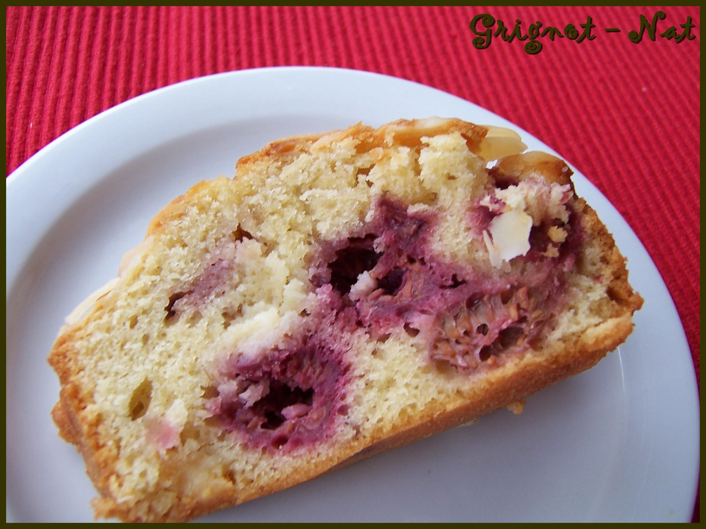 gâteau framboise et purée d'amande 2