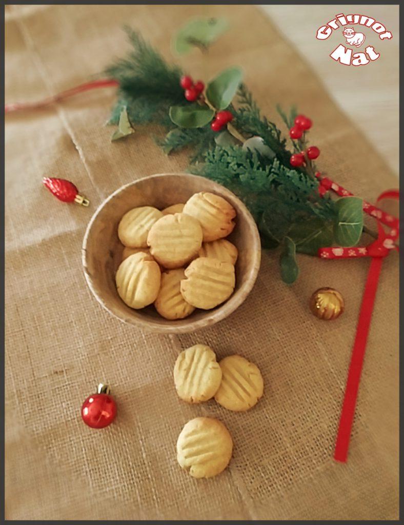 Lemon crumble biscuits